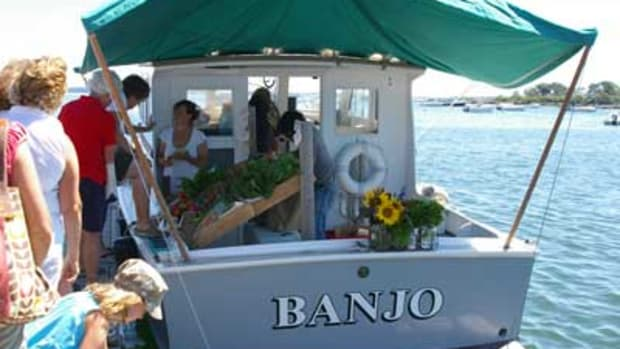 Mitchell's-Floating-Farmers-Market