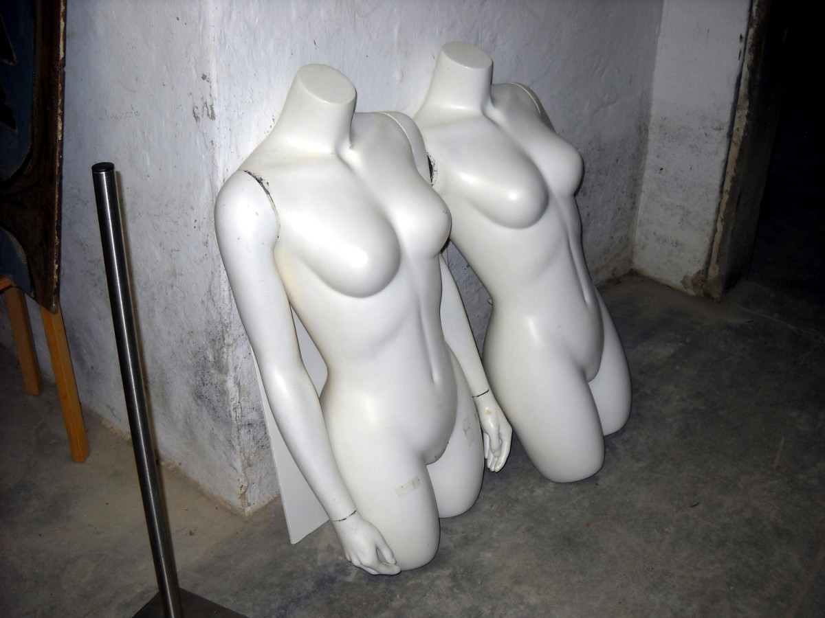 2 full mannequins, with stands