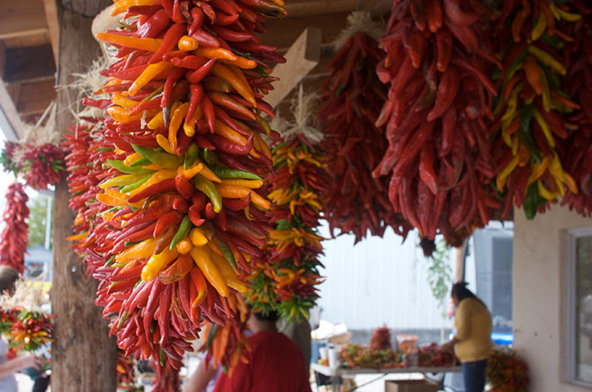 A ristra is a bundle of peppers hung to dry. It's easy to string together a simple version at home.
