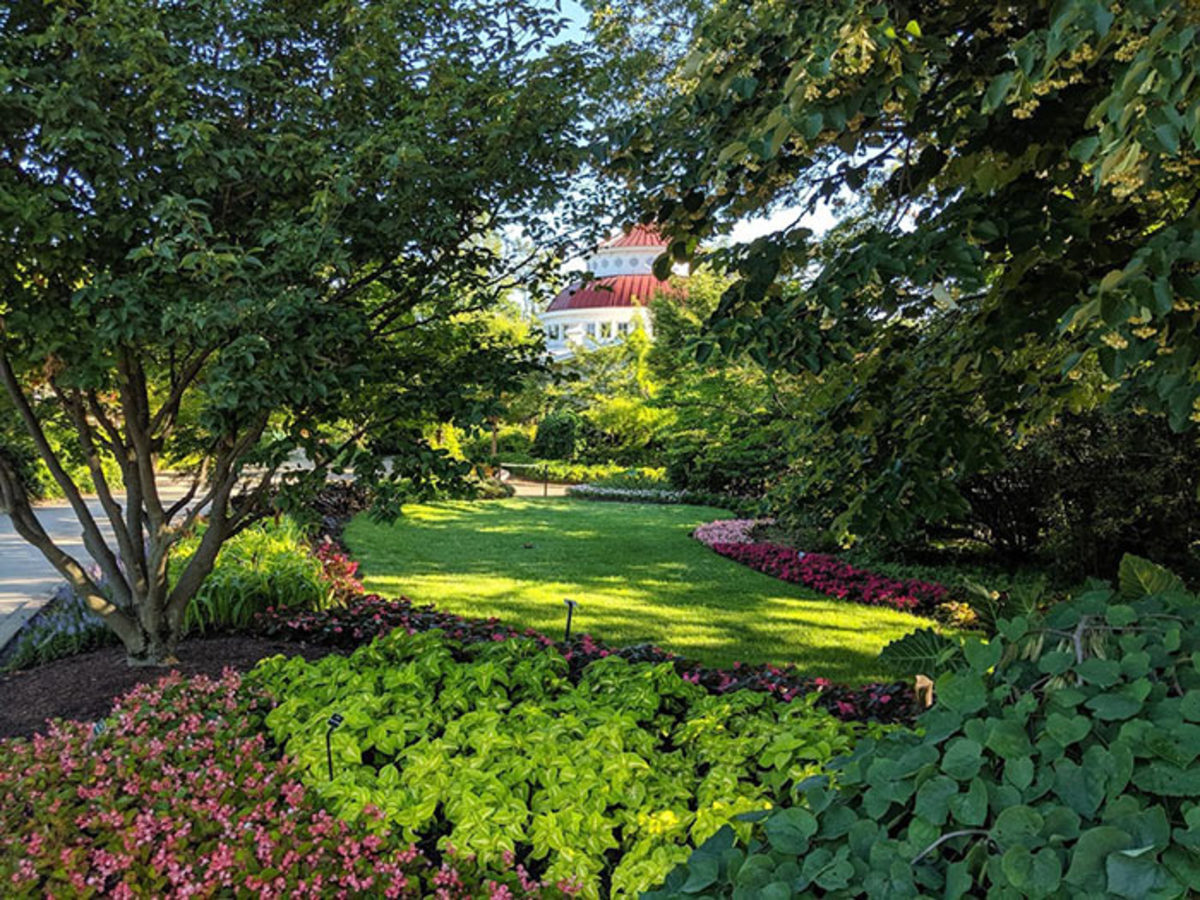 Landscapes at the Zoo fill every planting layer, from trees to shrubs to perennials to annuals and bulbs.